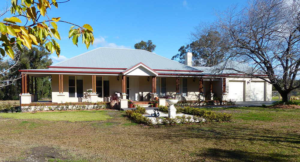 Paal kit homes 39 the camden owner built at yellow rock in for Kit home designs nsw
