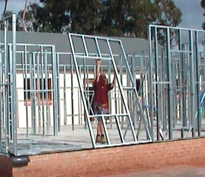 View PAAL kit homes construction video - easy to owner build modular steel frame kit homes. Sydney NSW, Melbourne Victoria (VIC), Brisbane Queensland (QLD)