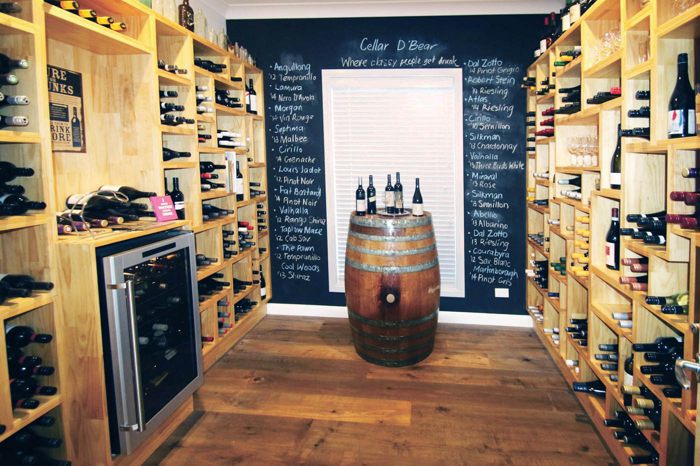 Kit home wine cellar with shelves