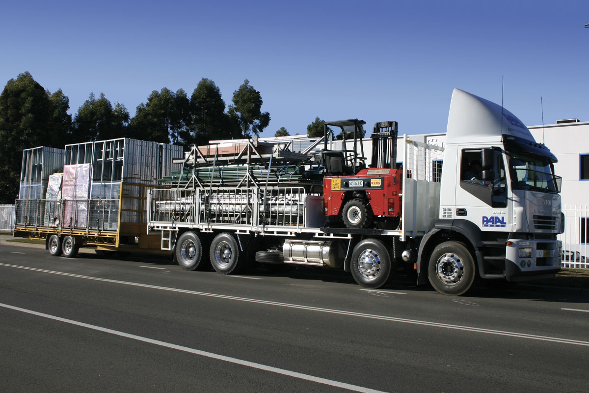 Paal truck loaded with materials and equipment