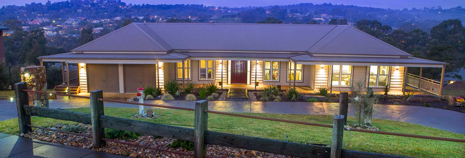 The Castlereagh features modern colonial styling with four bedrooms, three bathrooms (including two ensuites), guest room, study and rumpus room, and it is ideal for acreage. PAAL Australia NSW, VIC, QLD.