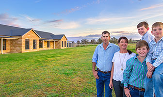 Ray Davis of Aberdeen, Upper Hunter, is a man who likes to take on new challenges. So when it came to building his family home, naturally he was keen to do it himself. PAAL Kit Homes NSW VIC QLD